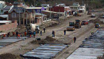 avanza el programa de pavimentacion en distintos puntos de la ciudad