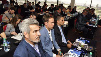 Horacio Elizondo y Federico Beligoy durante la presentación del VAR.