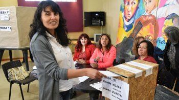 Alejandra Villagra será la nueva secretaria general de ADOSAC en la filial Caleta Olivia al imponerse en las elecciones internas con una leve diferencia de votos.
