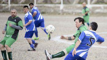 La Asociación de Fútbol Senior disputará esta tarde solo once partidos.