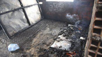 Los adolescentes sufrieron quemaduras en las vías respiratorias y permanecen internados en estado crítico.