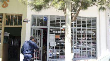 La dueña del comercio fue asaltada, golpeada y maniatada en la mercería de Rivadavia casi Schneider.