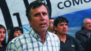 Ricardo Fueyo considera que tanto Arcioni como Menna estarán condicionados a la hora de defender los intereses de Chubut.