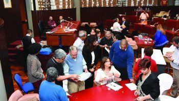 La Legislatura fue escenario del recuento definitivo de votos que desarrolló la Justicia Electoral.