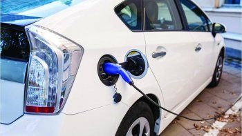 El senador Pais impulsa una norma para promover la producción de vehículos eléctricos