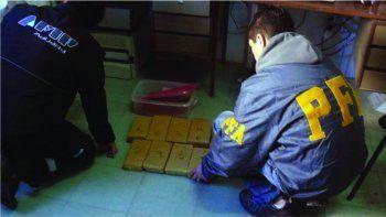 Los 9 paquetes de marihuana interceptados en 2014 en un camión del Correo Argentino de Comodoro Rivadavia por el SENASA y la Policía Federal.