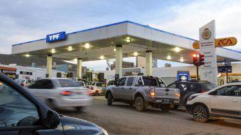 YPF anunció que bajará la nafta a partir de mañana