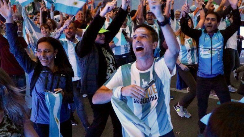 Más de 200 corredores homenajean a los argentinos víctimas del atentado en Nueva York
