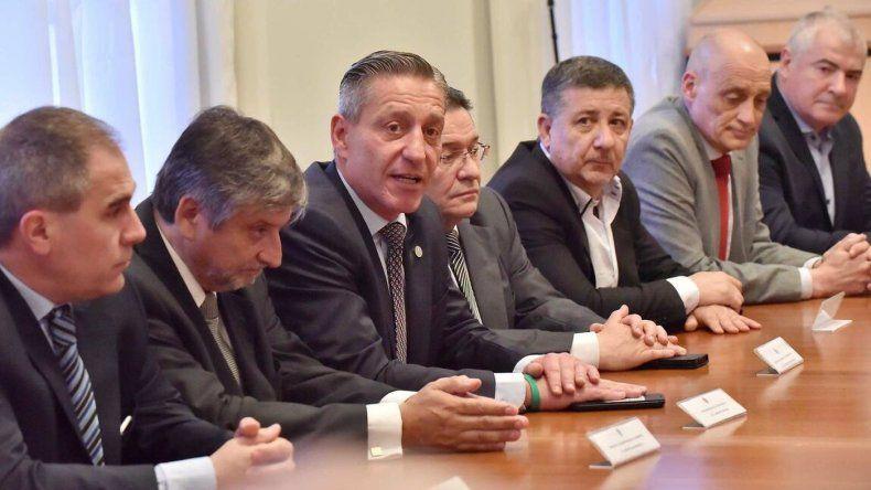 En reunión de gabinete Arcioni presentó a los nuevos funcionarios