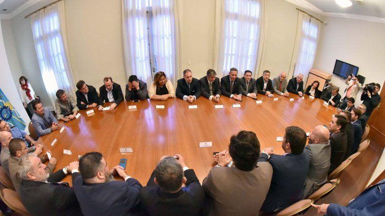 En reunión de gabinete Arcioni delineó acciones y fijó prioridades