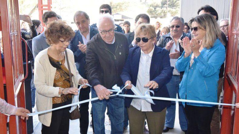 En el Paseo Comercial del barrio General Mosconi ayer la Municipalidad inauguró las nuevas oficinas de Rentas