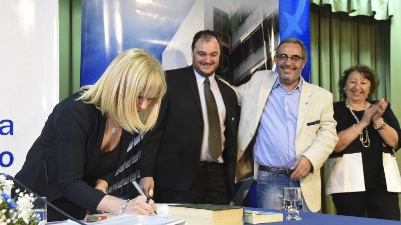 Asunción del nuevo rector de la Universidad, Carlos De Marziani
