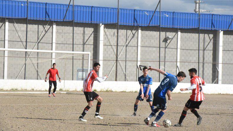 Jorge Newbery viene de vencer 2-1 a Deportivo Roca y esta tarde irá por más a cancha de Ameghino.
