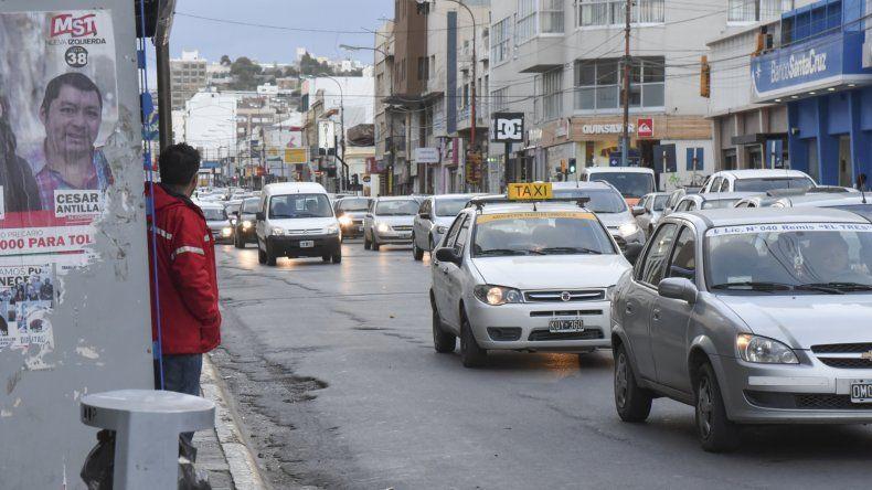 La retención de servicios de los choferes de Patagonia Argentina arrancó ayer a las 13