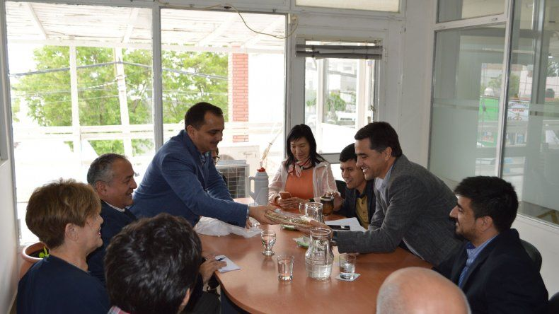 Delegación de Tayikistán recorrió emprendimientos productivos en el VIRCH