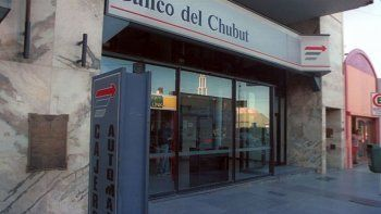 Luenzo impulsa la creación de un ombudsman bancario
