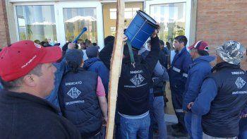 Municipales heridos tras enfrentamiento con la policía