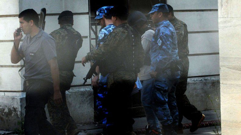 El traslado de José Echegaray a la Unidad Penitenciaria 22 de Buenos Aires luego de negarse a declarar.