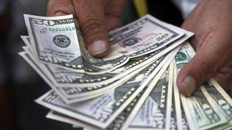 El dólar se dispara 51 centavos y quiebra la barrera de los $ 22