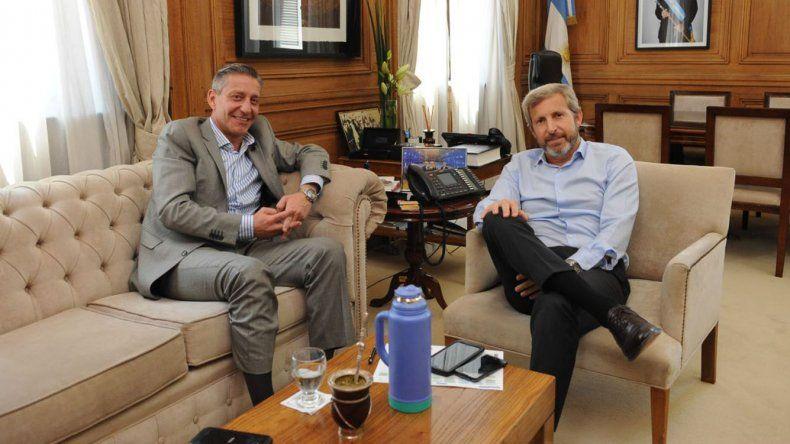 El gobernador Mariano Arcioni en reunión con el ministro del Interior