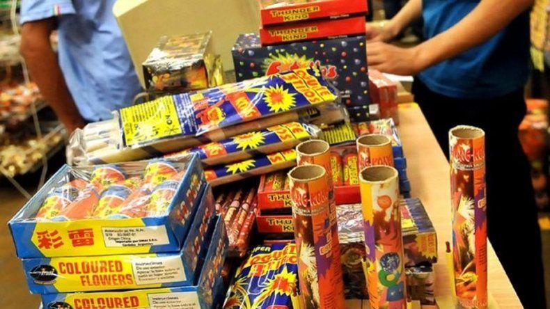 El municipio ya está notificando a comerciantes  respecto a la prohibición de la venta de pirotecnia