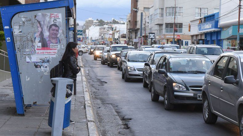 Ayer otra vez se hizo notar la demanda de taxis y remises por el paro de transporte público que debe brindar Patagonia Argentina y que se paralizó el martes al mediodía.