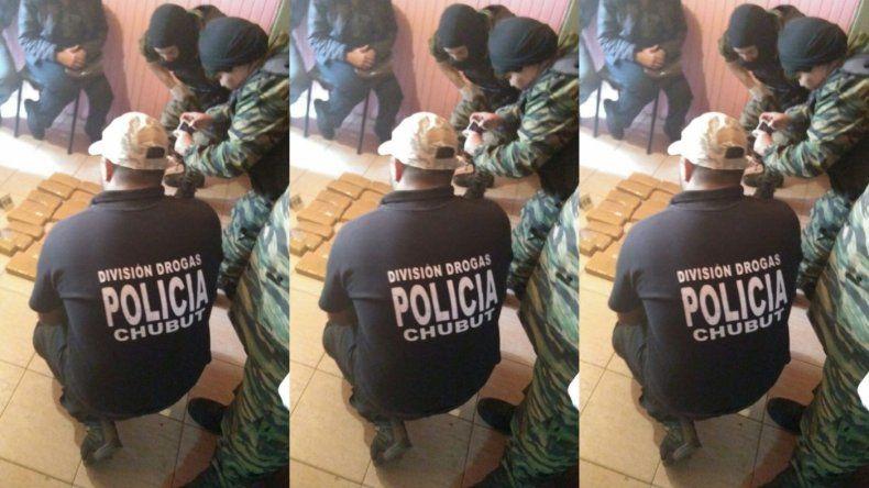 Secuestraron 8 kilos de droga en Lago Puelo, El Bolsón y Neuquén