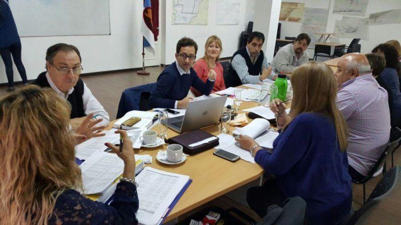 La reunión que el secretario municipal de Economía mantuvo ayer con los concejales.