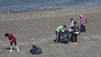 Por quinto año consecutivo en Comodoro Rivadavia y otras ciudades del mundo limpiarán las playas para salvar al planeta.