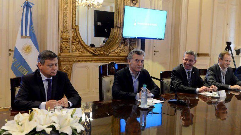 En su primera reunión con Macri como gobernador