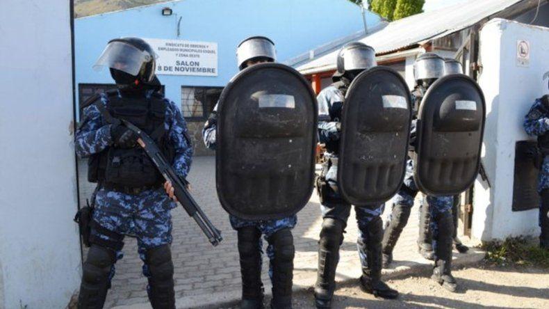 La Justicia allanó la sede del SOEME en Esquel