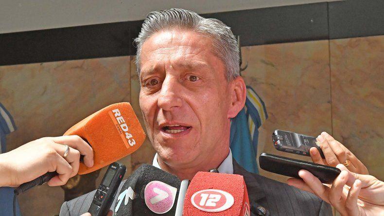 Seis días sin colectivos: Arcioni pidió terminar con actitudes extorsivas