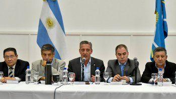 El gobernador Arcioni encabezó una reunión con todos los intendentes y jefes comunales de la provincia.