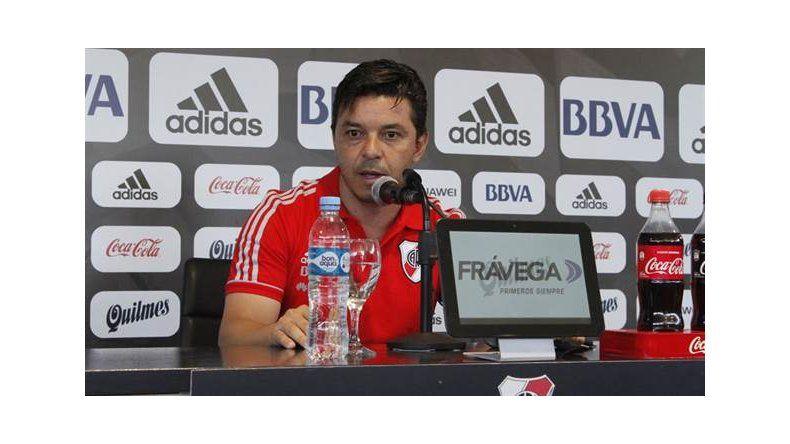 Marcelo Gallardo durante la conferencia de prensa que brindó ayer dando la noticia de que quiere seguir en River.