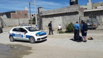 Héctor Liempi fue detenido ayer cuando caminaba con una guitarra y unas bolsas con elementos robados en la Iglesia Asamblea de Dios.