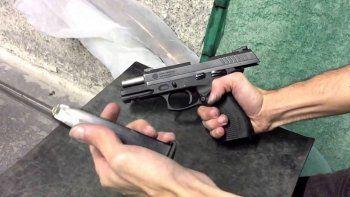 Secuestran una pistola 380 y un revólver 45 en una casa de Km 8