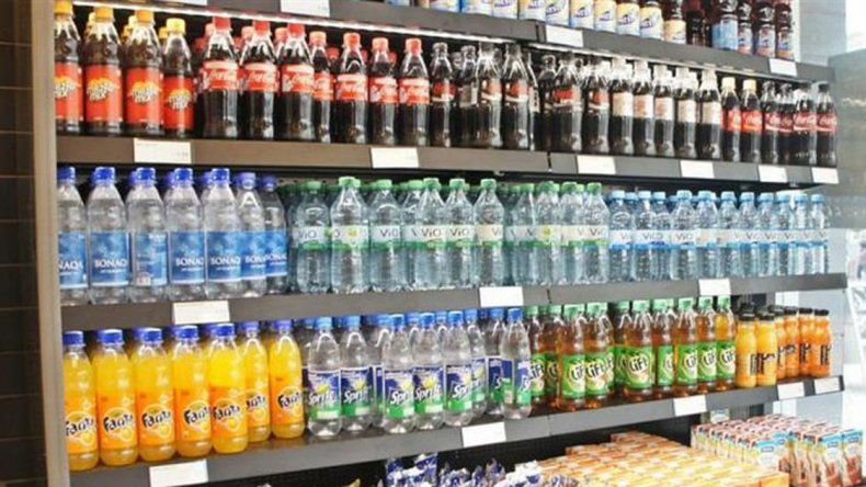 Alertan que peligran 5000 empleos de fábricas de bebidas sin alcohol
