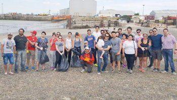 La Costanera fue una de las playas donde ayer se efectuó la campaña Cuidemos nuestro tipo de mar, que realiza la ONG Comunidad Sustentable.