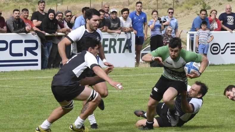 La selección Austral logró ayer su primera victoria en el Argentino Zona Ascenso B al derrotar a Tehuelches 20-13.