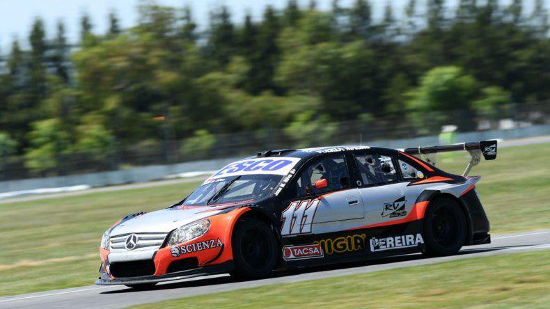 El Mercedes Benz del chaqueño Juan Manuel Silva que se quedó con la victoria ayer en el autódromo de La Plata.