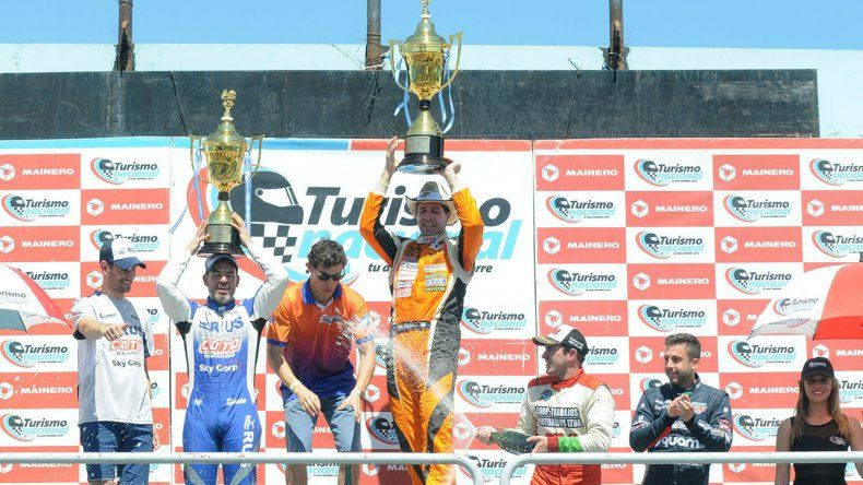 Jonatan Castellano conquistó ayer la victoria en el autódromo Oscar y Juan Gálvez de Buenos Aires.