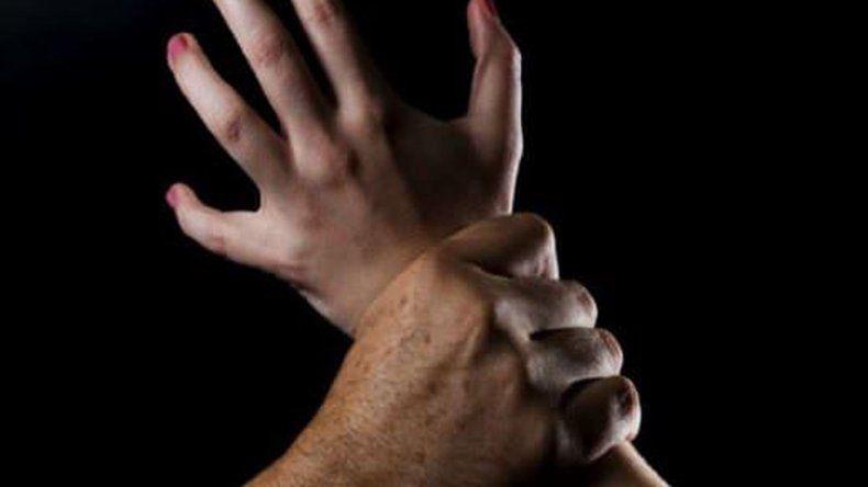 Denuncia que un pastor la abusó y la obligó a abortar