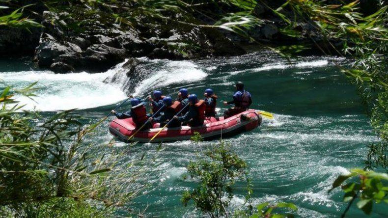 Un  hombre murió mientras hacía rafting en El Bolsón