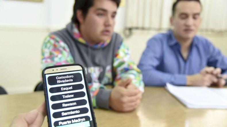 Estudiantes que diseñaron app viajarán a una Feria Nacional