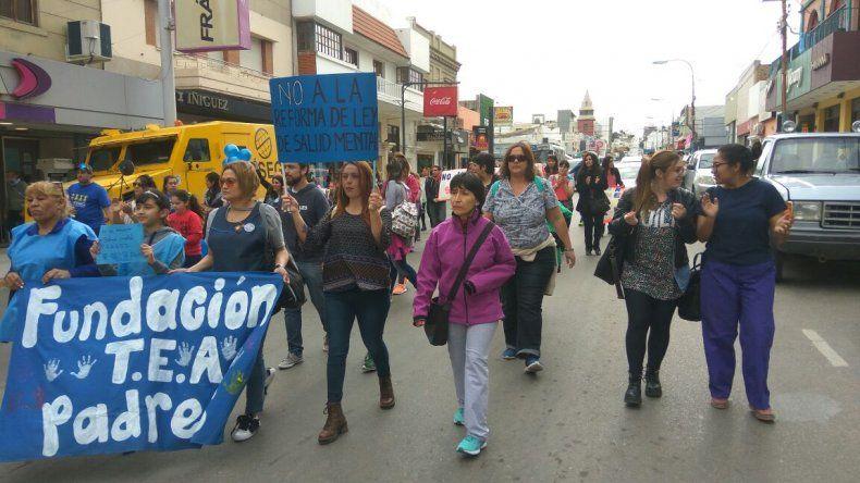 Marcharon contra la modificación de la ley de Salud Mental: es un retroceso terrible