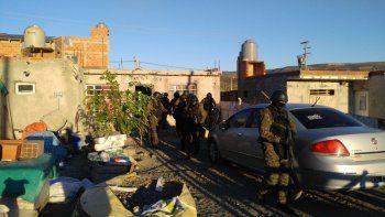 En total se realizaron cinco allanamientos con el resultado de dos detenidos.