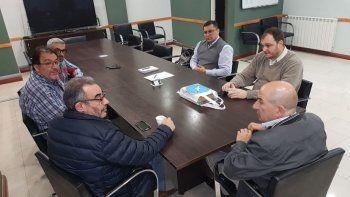 La reunión que autoridades universitarias mantuvieron con dirigentes del Sindicato de Petroleros Jerárquicos de la Patagonia Austral.