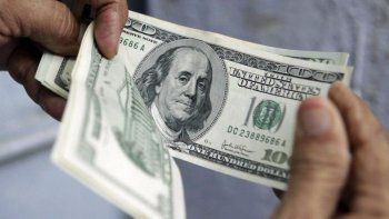 el dolar cotiza estable a $ 17,77