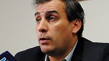Facundo Prades recibió ayer el alta médica, en tanto que el diputado Gerardo Terraz procuró justificar la fotografía que difundió del jefe comunal.