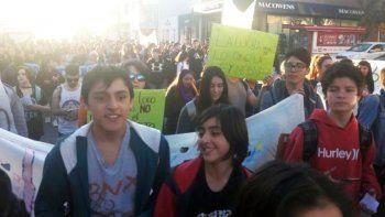 Estudiantes y docentes vuelven a reunirse en asamblea por el transporte gratuito